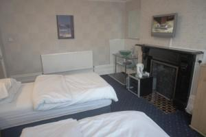 Single Occupancy Twin Room (inc. Breakfast)