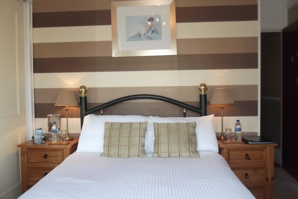 First Floor Double Room - En-suite Room - Single Use - Inc. Breakfast