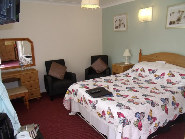 Double Room 5 (inc. Breakfast & En-suite)