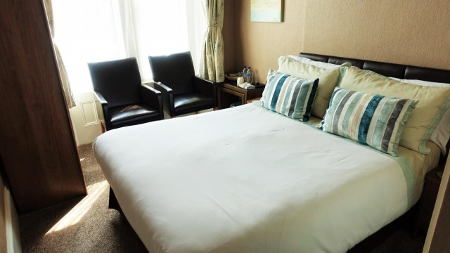 Room 6 - Bed & Breakfast Double occupancy