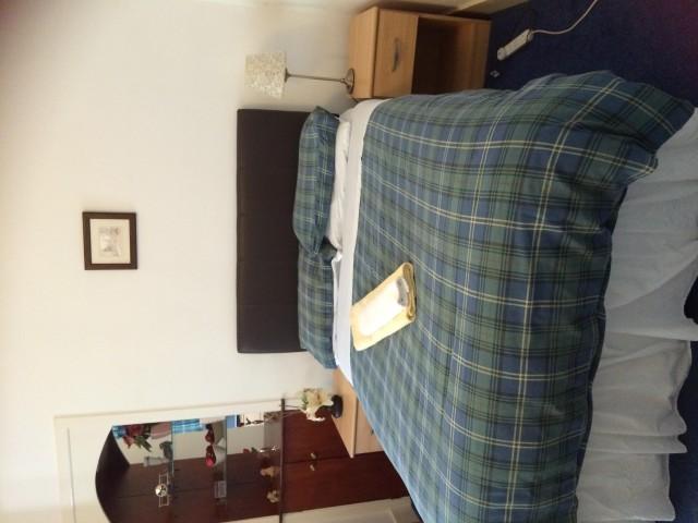 Family En-suite Room Sleeps 4