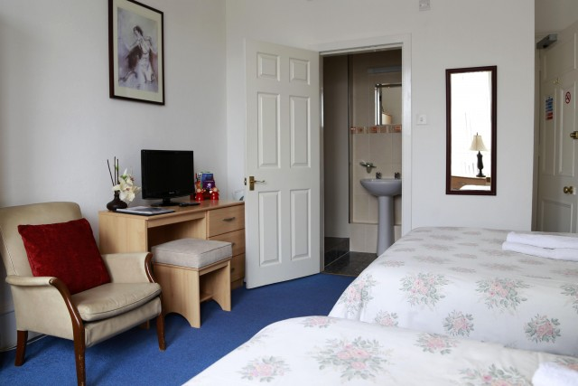 Family En-suite Room Sleeps 3