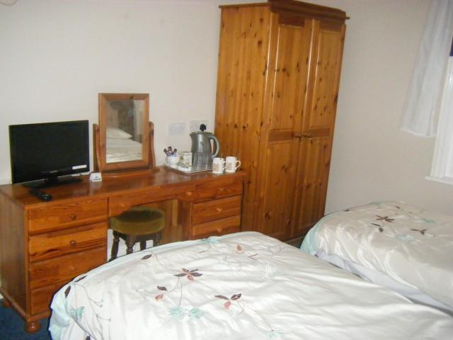 Twin room 2 Adults including Breakfast