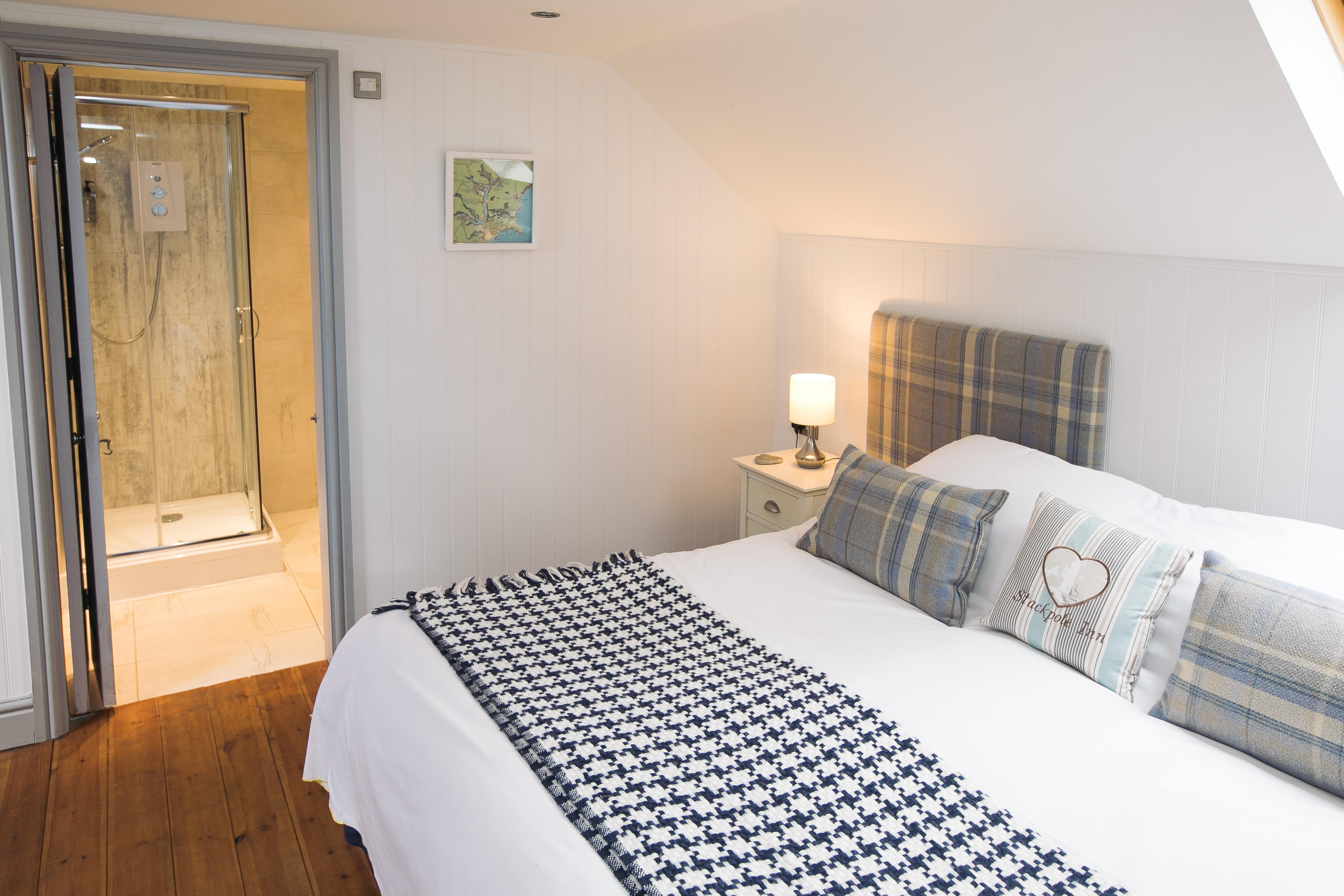 Double En-suite Room - 1 Adult (inc. Breakfast)