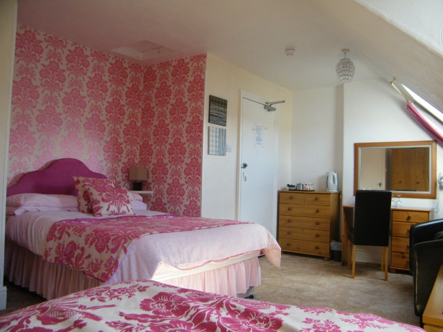 Room 8 -Double/twin En-suite Room (inc. Breakfast)