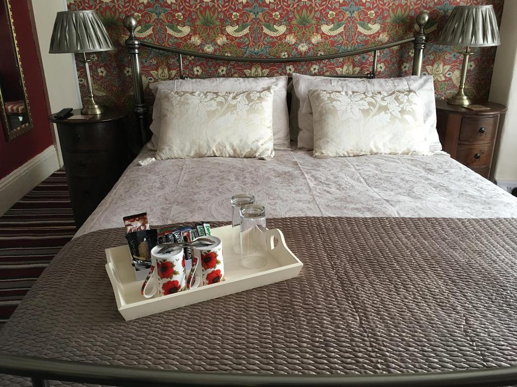 Room 2 - Triple En-suite Room (inc Breakfast)