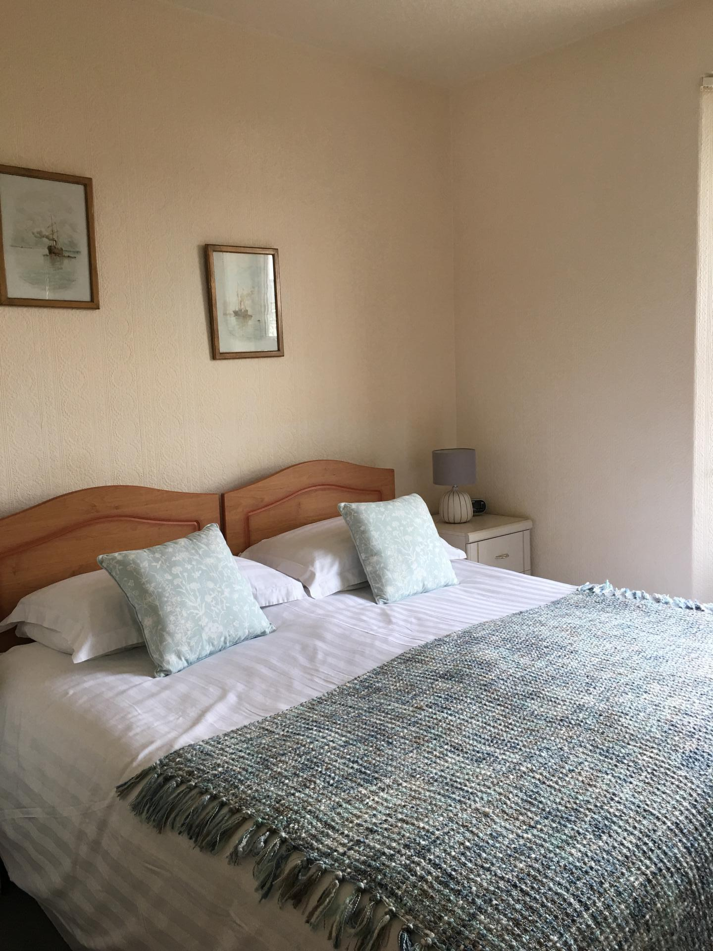 Room 1 - Standard Double Room With Superking Bed (inc breakfast)