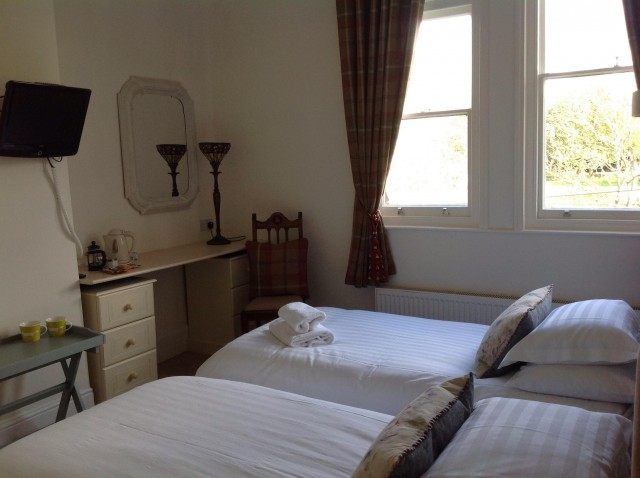 Twin En-Suite Room, breakfast hamper included.