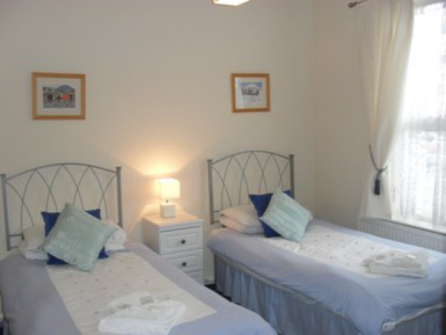Twin, Room 2 En-suite (inc. Breakfast)