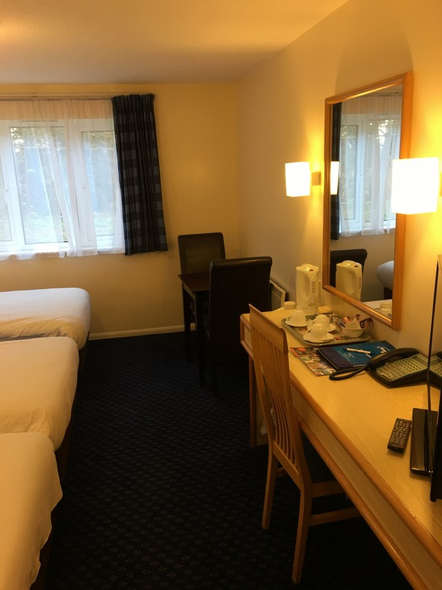 Triple En-suite (3 Single Beds)