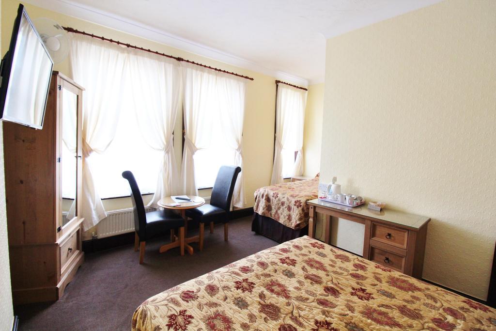 Family En-suite Room (inc. Breakfast)(child Over 2-11
