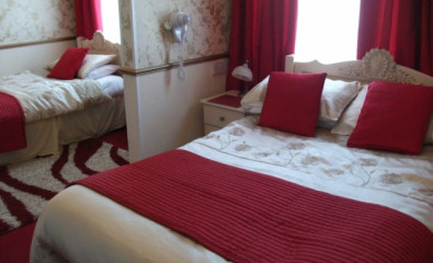 Family Ensuite sleeps 4