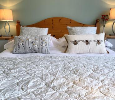 Double En-Suite Garden Room & Breakfast Free WIFI