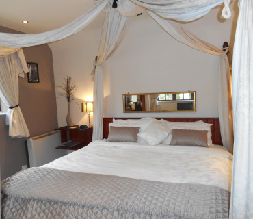Super-king Size En-suite Room (inc. Breakfast)
