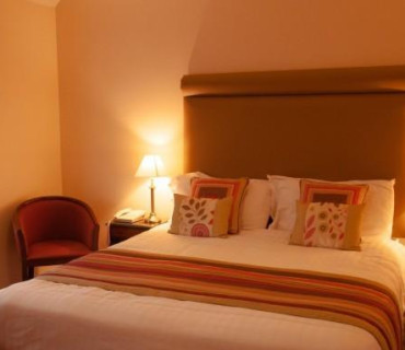 Double En-suite Room for Sole Occupancy (inc. Breakfast)