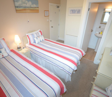 Room 2 - Twin en-suite room