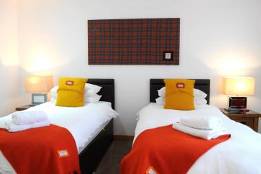 Twin en-suite,single occupancy,inc breakfast