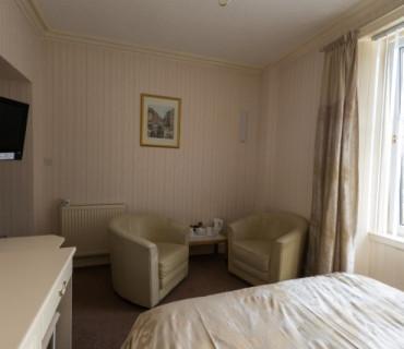 Room 1 Double En-suite Room (Breakfast not included )