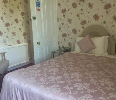 Room 4 Double En-suite Room (Breakfast not included )