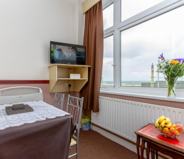 *Apartment 5 - First Floor, Family, Sea-view, En-suite Apartment (self-catering)