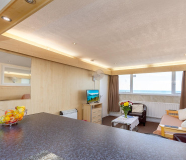 Apartment 10 - Third Floor Penthouse, Family, Sea-view, En-suite Apartment (self-catering)