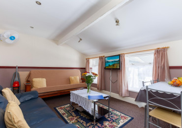 Apartment 9 - Third Floor, Double/family, Rear-facing, En-suite Apartment (self-catering)