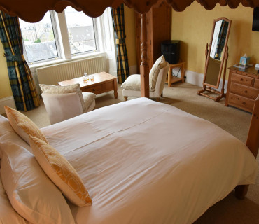 Four Poster Room En-suite Sea View (inc Breakfast) Room 2
