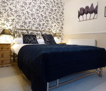 Standard Single Room -Double Bed (Inc Breakfast)