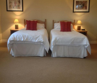 Twin En-suite including Breakfast hamper.