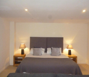 Twin En-suite Room including breakfast hamper.