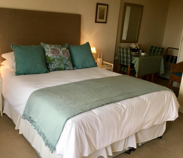 Double en-suite room including continental breakfast