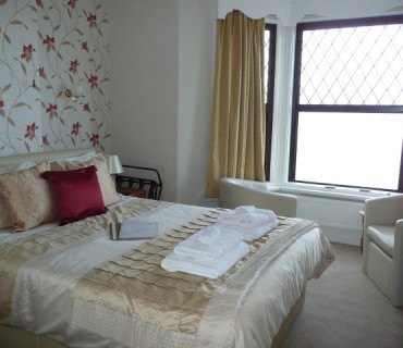 2nd Floor Sea View Premium Double En-suite (inc. Breakfast)