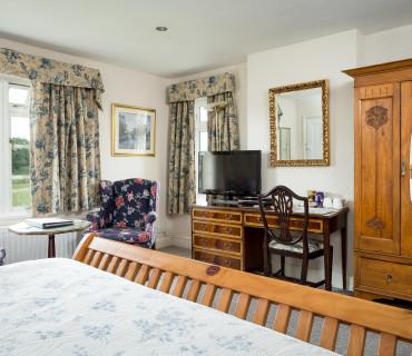 Family En-suite Room 1-2(inc. Breakfast)