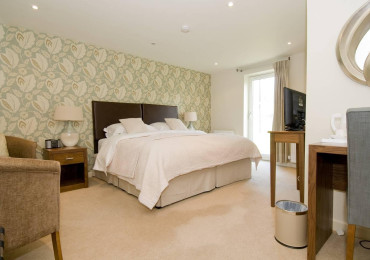 Double En-suite Room Walnut (inc. Breakfast)