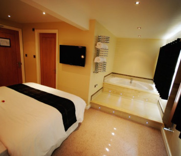 Loughrigg Luxury Whirlpool Bath En-suite Room With Views Over Ullswater