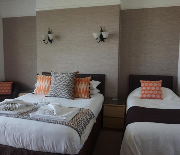 Balcony Twin Room With En-suite And Sea Views (inc. Breakfast)