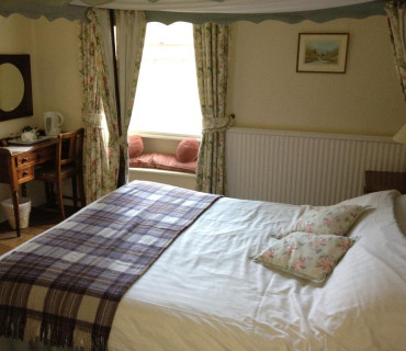 Alexander Brodie Double En-suite Room (inc. Breakfast)