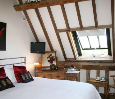 Vaulted Double en-suite, single occupancy (inc. Breakfast)