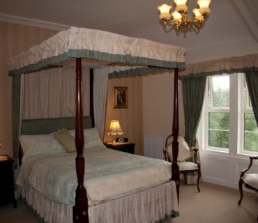 Four-poster Double En-suite Room (inc. Breakfast)
