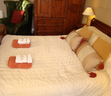 room 4 Double En-suite Room (inc. Breakfast)