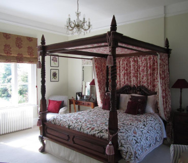 Premier Four-poster Ensuite Incl. Breakfast Sleeping 2 persons