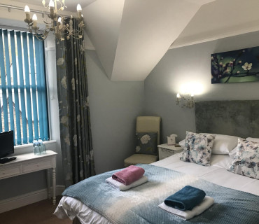 Suite Room - Kingsize En-suite Room (incl Breakfast) Non Refundable