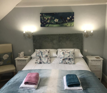 Suite Room- Kingsize en-suite Room (incl Breakfast)