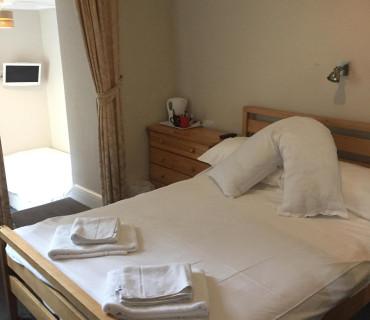 Room 5:Triple Room (2 Adults)