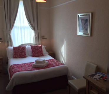 Double En-suite Room ( Single Occupancy) 1 Adult With Breakfast