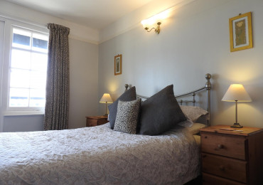Queensize En-suite With Private Balcony & Panoramic Harbour/sea Views (breakfast Inc)