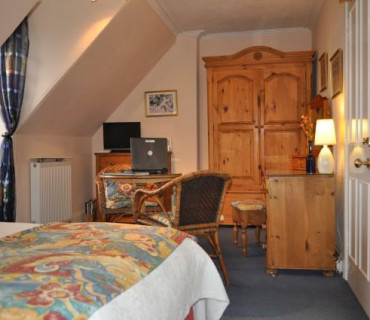 Twin En-suite Room Second Floor (inc. Breakfast) Non-refundable
