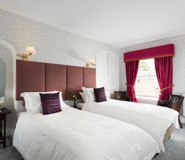 Superking/Twin En-suite Room