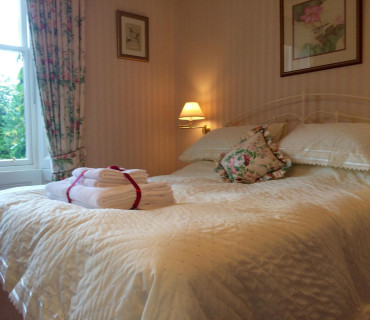 Niven - Double En-suite Room with Breakfast (Double Occupancy)