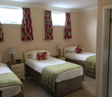 Triple/Family En-suite Room (Room Only - select breakfasts if required via